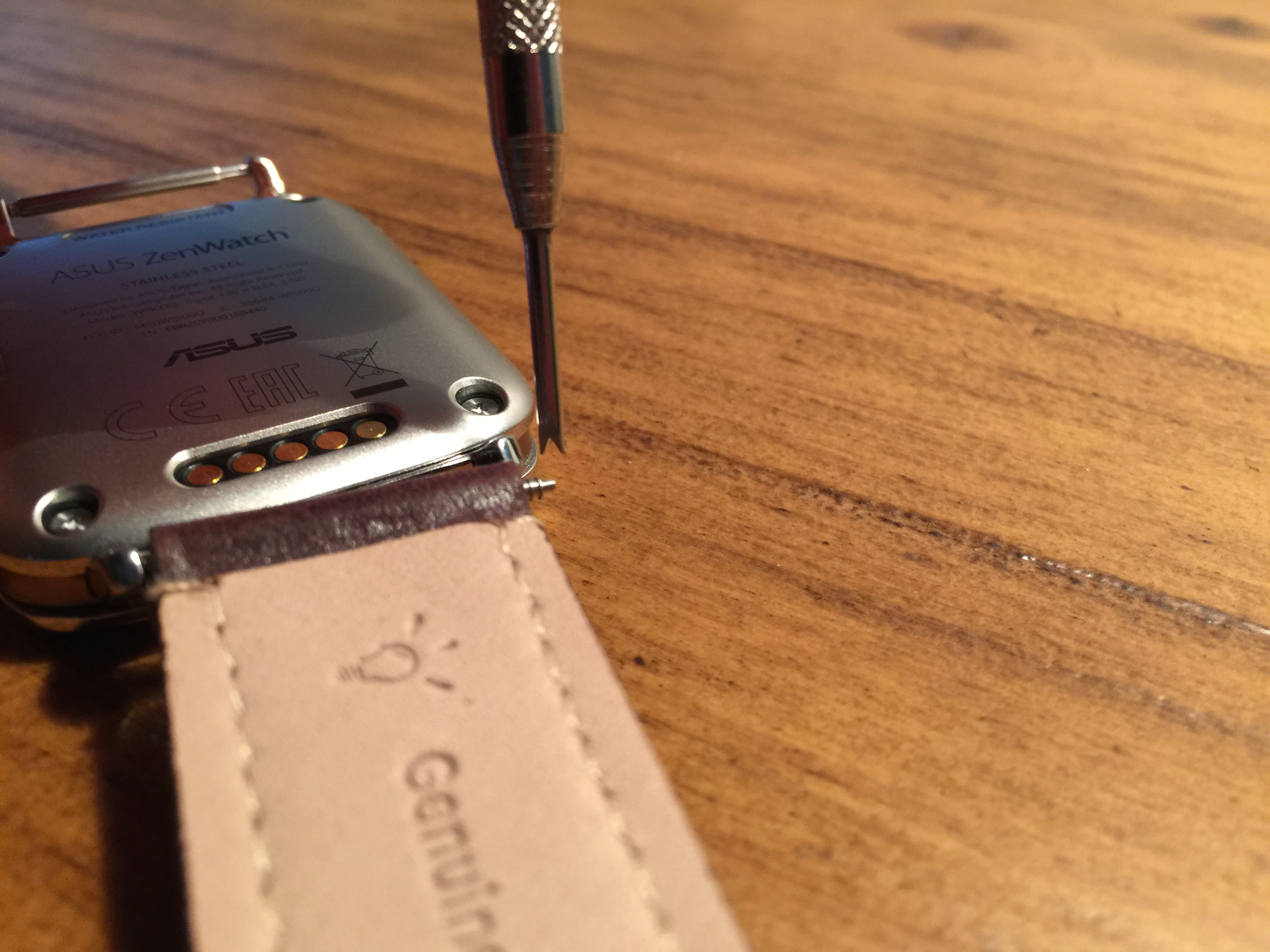 how to put a pin in a watch band