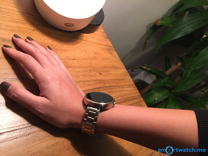 Moto 360 Smartwatch girls wrist
