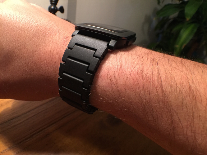 Pebble Black Link Bracelet Band