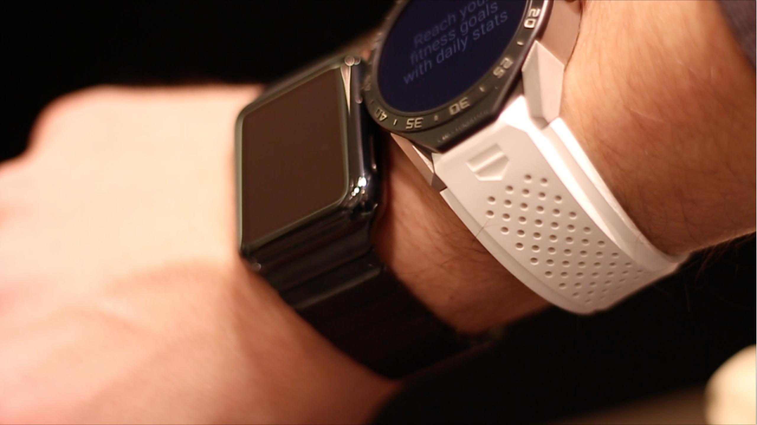 quality design 41c33 f5c02 Apple Watch vs TAG Heuer Smartwatch : AppleWatch